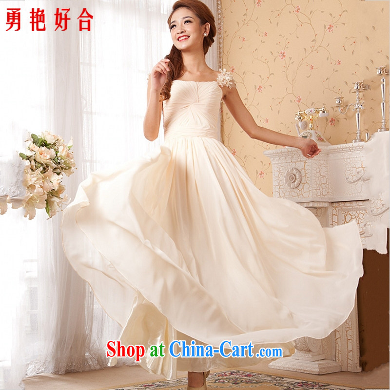 Mr LAU poetry poetry stars with long dresses, fall to show the dress champagne color white Red double-shoulder zipper-waist white long. size color is not returned.