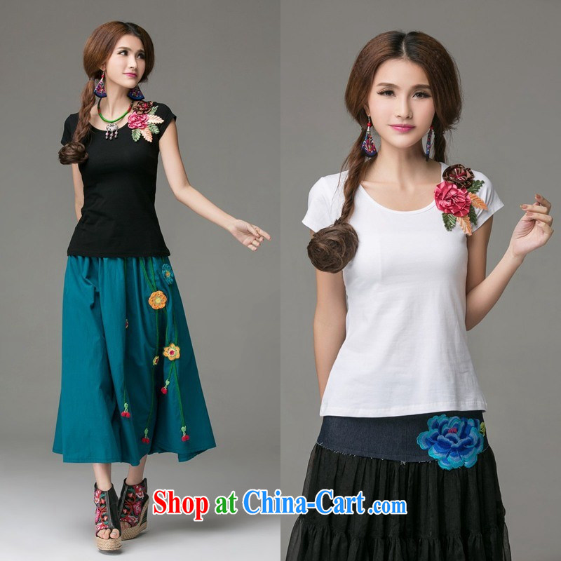 Summer new cotton Ethnic Wind three-dimensional embroidered short sleeves shirt T women 2665 white 3XL