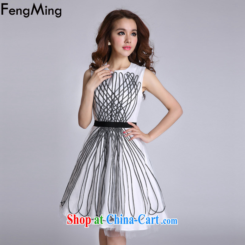 Abundant Ming streaks in Europe and shaggy skirts dress girls sleeveless vest-skirt 2015 spring and summer new white XL