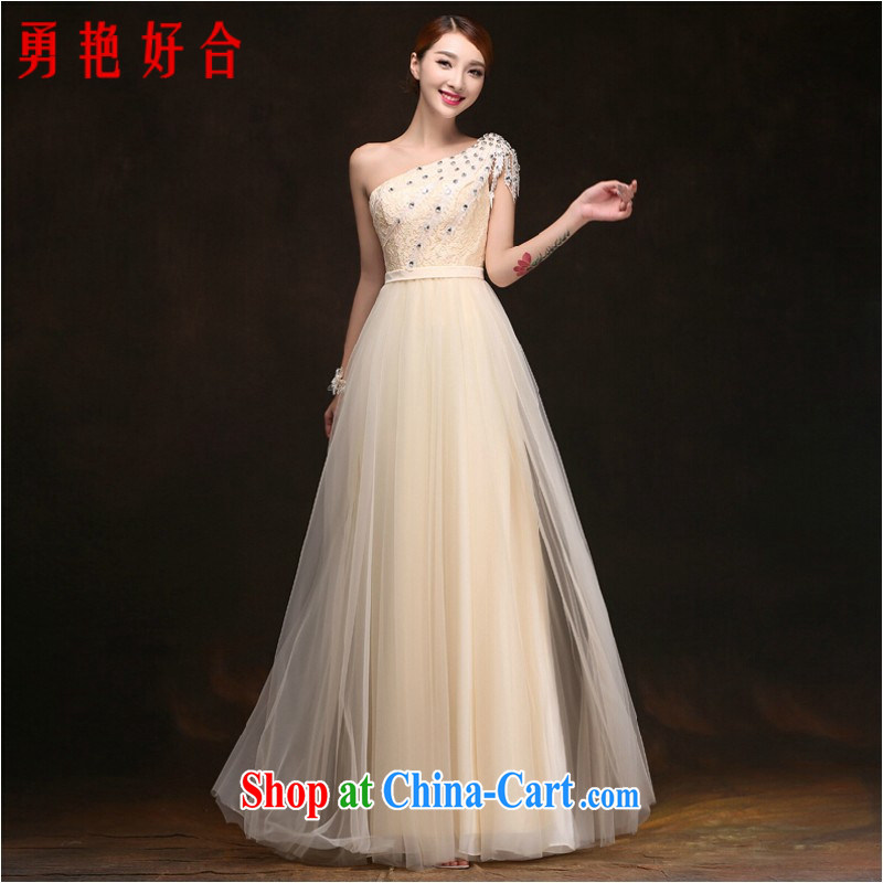 Yong-yan and his toast, new spring and summer bridal wedding fashion long single shoulder banquet dress beauty bridesmaid dress in stock is tied with zip to make champagne color. size color will not be returned.